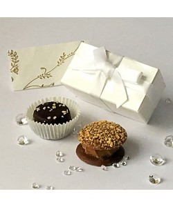2 Choc Bow - White